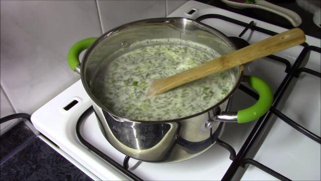 Как приготовить зеленый борщ со щавелем - 6 простых рецептов